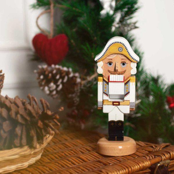 "Деревянная игрушка ""Щелкунчик"", белый"