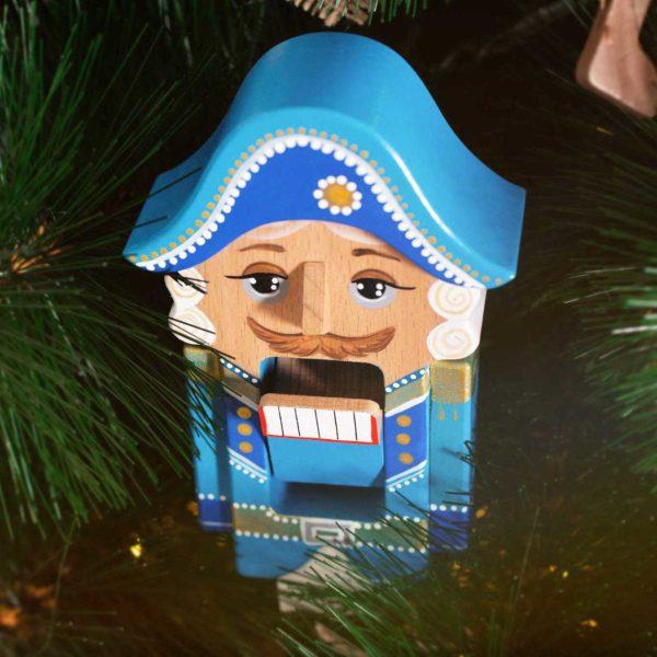 """Деревянная игрушка """"Щелкунчик"""", синий"""