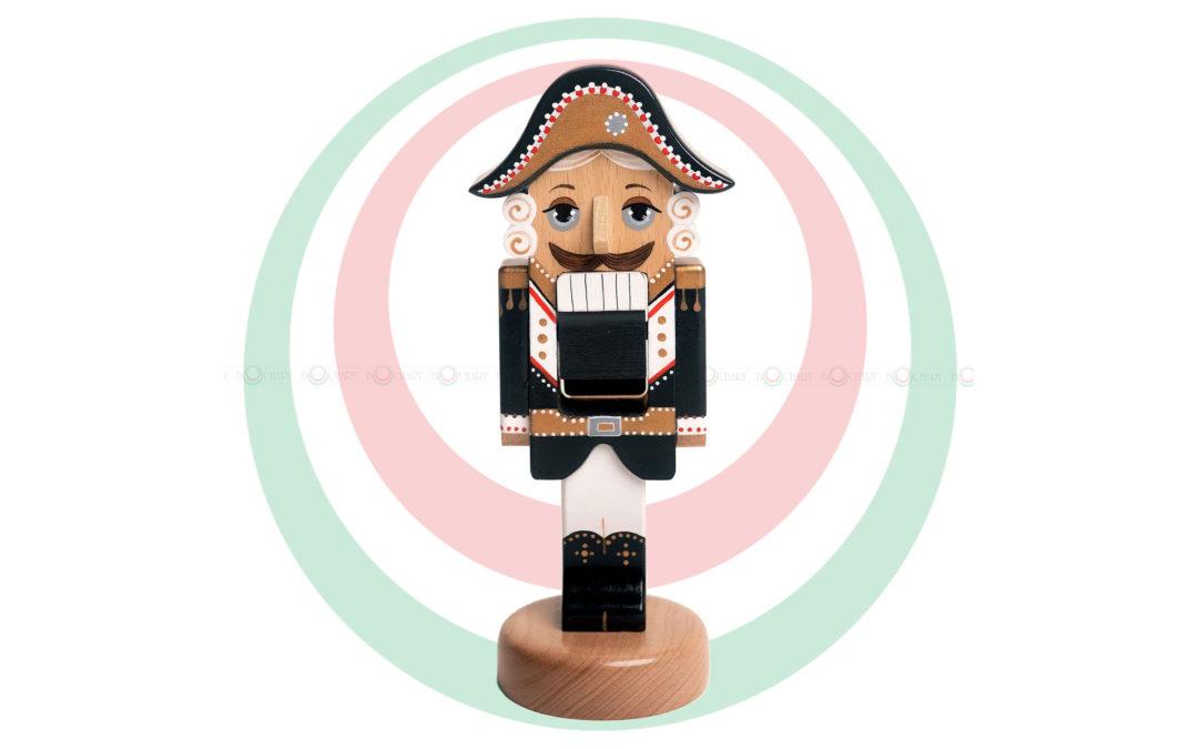 Игрушка деревянная «Щелкунчик», черный