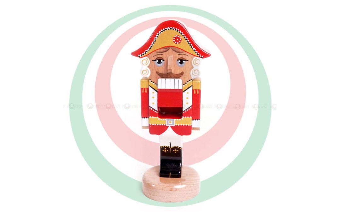 Игрушка деревянная «Щелкунчик», красный